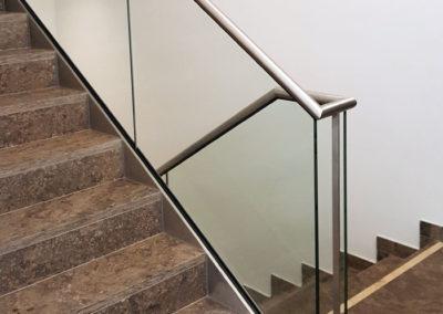 Treppengeländer mit Verglasung